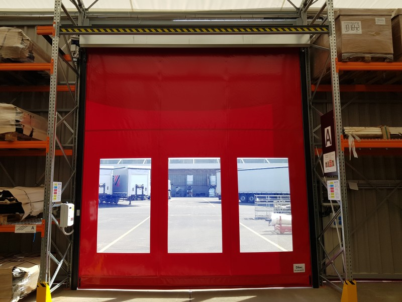 DITEC iparikapu 3 ablakos gyorskapu telepítésünk